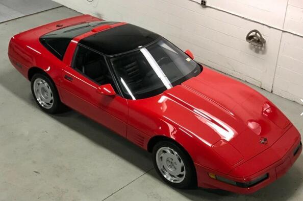 珍藏了十年的全新的1991年Corvette ZR-1正在出售