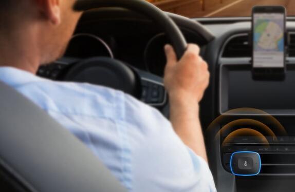 这款双端口Anker USB车载充电器仅需$ 20 即可在车中使用Alexa