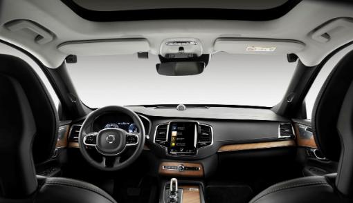 沃尔沃车载摄像头和限速键增加了另一层安全性