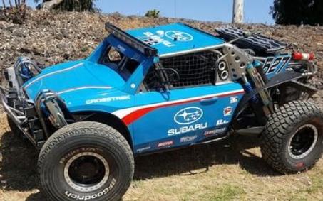 斯巴鲁Crosstrek沙漠赛车手参加史上首次巴哈500比赛