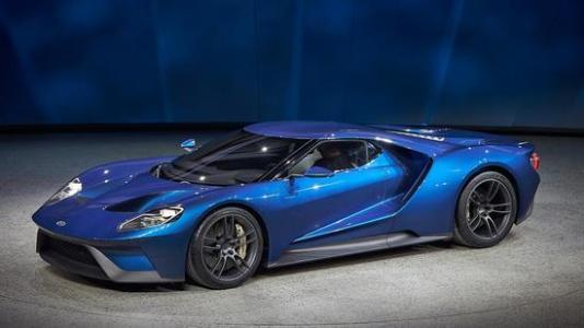 改良的福特GT成为首款时速达到300 mph的街头合法车