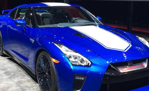 日产揭示了复古风格的GT-R 50周年纪念版