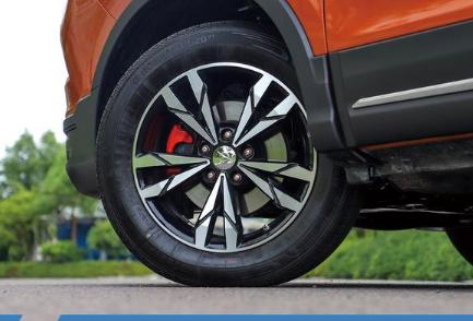 评测二代海马S5轮圈轮胎型号尺寸及二代海马S5大灯配置