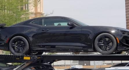 2019年雪佛兰Camaro ZL1被完全掩盖