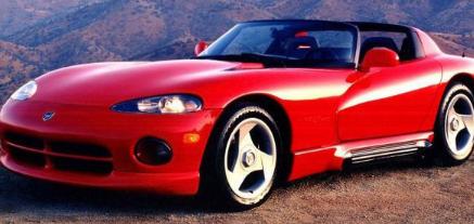 兰博基尼为第一个毒蛇重新设计了道奇的V10卡车发动机