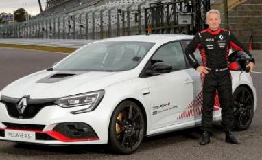 雷诺梅根RS Trophy-R在铃鹿赛车创下单圈记录