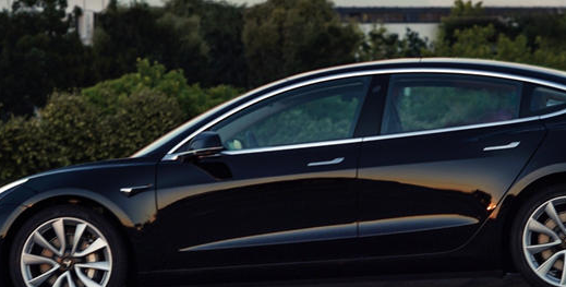 特斯拉Model 3具有非常酷的隐藏功能