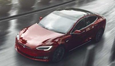 特斯拉的新汽车保险服务受到车主的不同评价