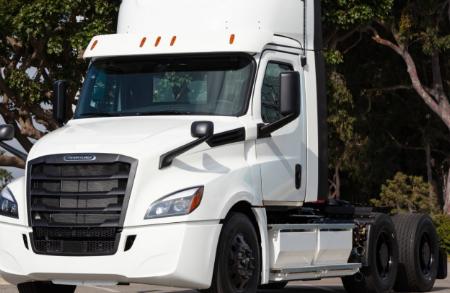 戴姆勒和沃尔沃卡车将联合生产商用车氢燃料电池