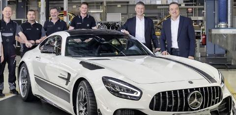 改款梅赛德斯AMGGT系列的生产已正式在德国公司辛德尔芬根的工厂开始