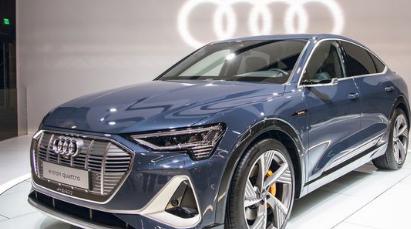 奥迪e-tron EV的双门轿跑车SUV版本将于明年夏天向欧洲买家出售
