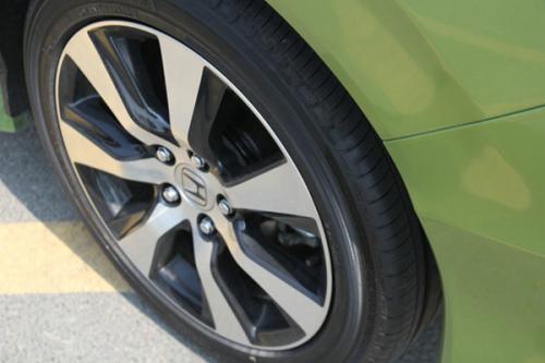 小型汽车轮胎气压是以多少为正常标准的