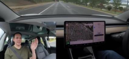 特斯拉在海外发布了最新辅助驾驶软件2020.40.3版本