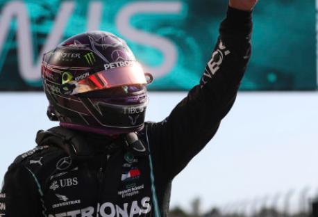 刘易斯汉密尔顿以创纪录的第92场胜利赢得葡萄牙大奖赛