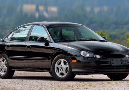 这款由V8驱动的1999年福特Taurus SHO很便宜