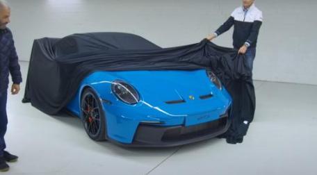们从海外媒体处获取了一组全新一代保时捷911GT3车型的无伪实车图片