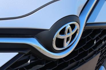 丰田召回175万辆汽车以修复故障的刹车和燃油系统