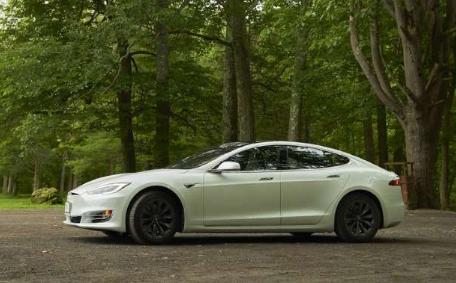 特斯拉可能最终会对其最老款的Model S和Model X进行更新