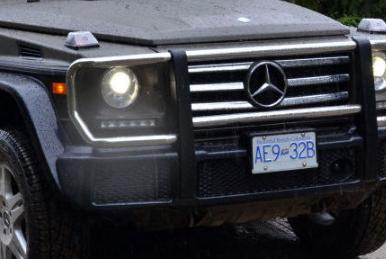 两辆梅赛德斯奔驰G级车历代之旅
