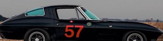 1963年雪佛兰克尔维特拆分窗口看起来像黑色的轨道上的死亡