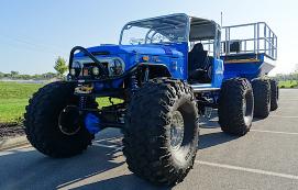 配备匹配拖车的Monster1972 Toyota FJ40可以在任何地形上咆哮其LS1