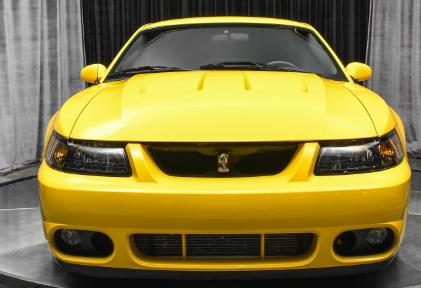 2004 年福特野马是一款罕见的 SVT Cobra 收藏品